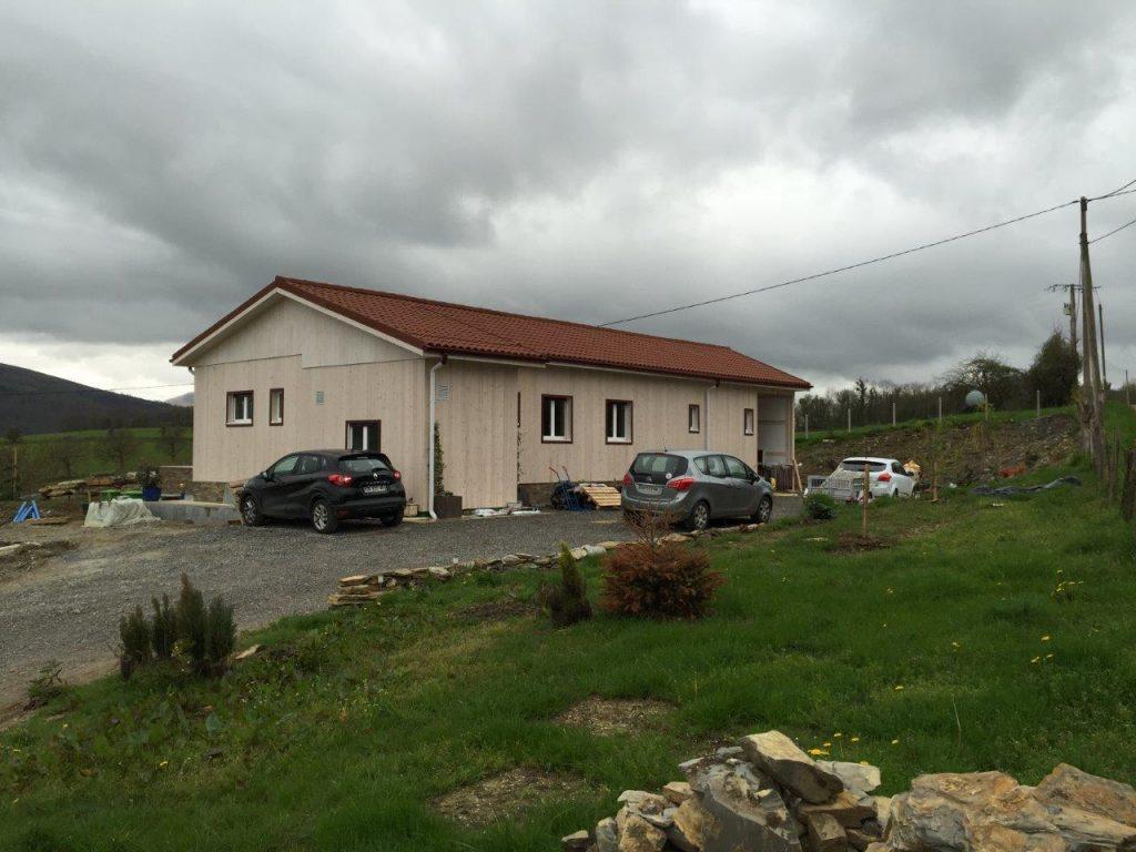 Visita a la casa de madera modular en el pa s vasco franc s - Casas rurales pais vasco frances ...