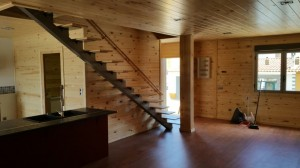 casa de madera interior