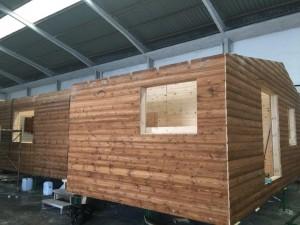construyendo casa de madera