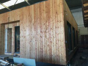 casa de madera en fabrica